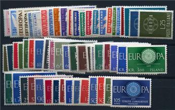 Europa : Collection entre 1956 et 1960 neuf*